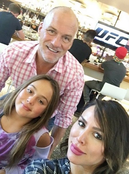 Kelly Dodd taking the selfie with ex-husband Michael Dodd and daughter Jolie Dodd.