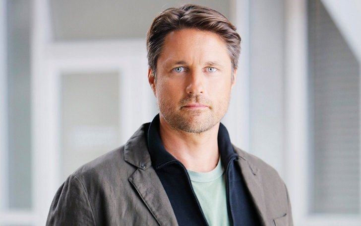 New Zealander actor, Martin Henderson has a net worth of $6 million.