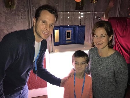 Jamie Siminoff with his wife Erin Lindsay Siminoff and son Oliver Siminoff at the World's Most Expensive Doorbell launch in 2017.