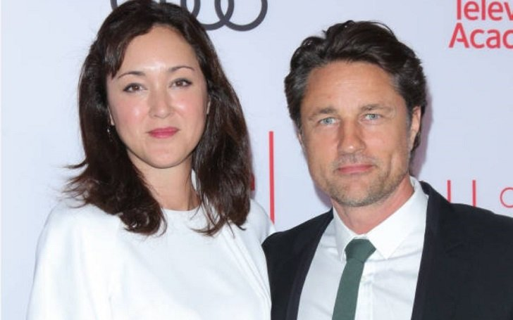 Martin Henderson's girlfriend, Helen Randag has a net worth of only $100,000, but Henderson is worth $6 million. Image Source: