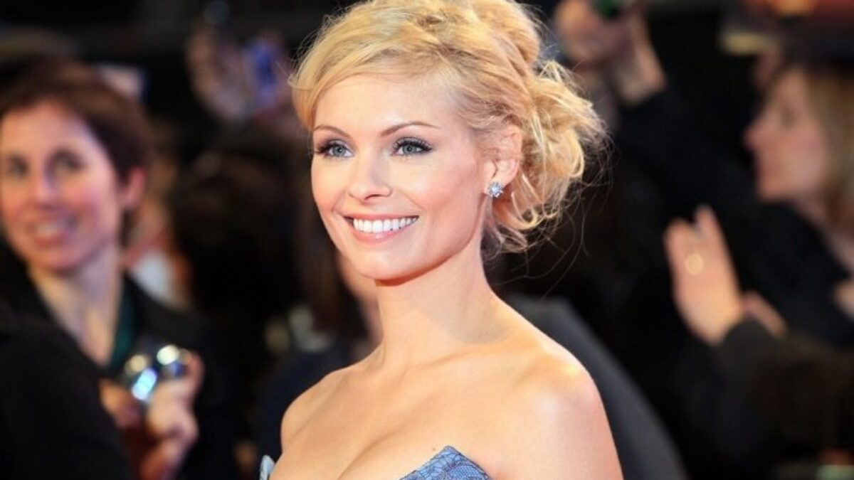 Myanna Buring Net Worth Reveal Income Sources The Witcher Tissaia De Vries Twilight Actress Theater Age 40 You can help witcher wiki by expanding it. myanna buring net worth reveal income