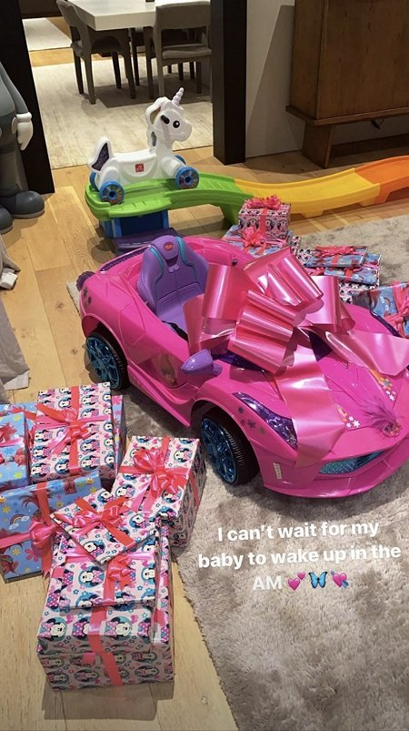 Stormi Webster's gifts.